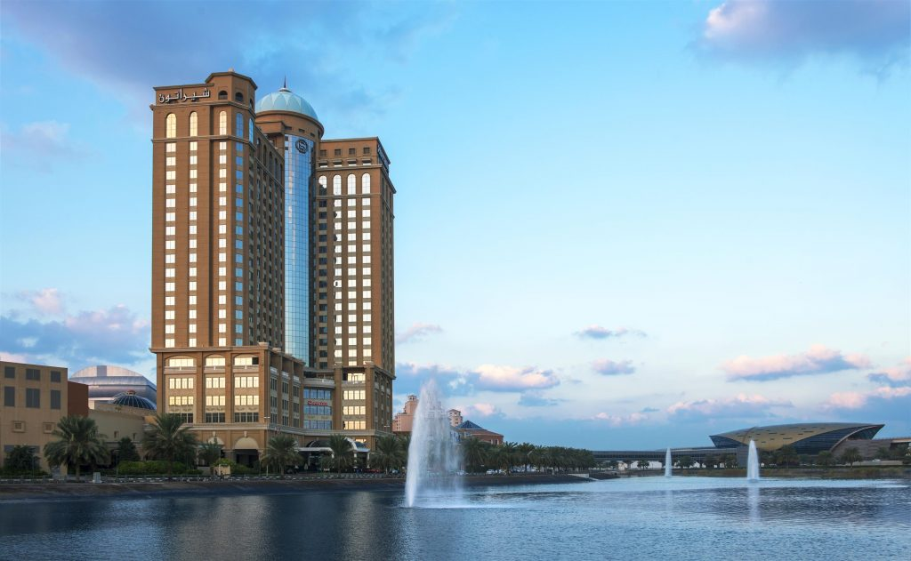 فنادق دبي بالقرب من مول الامارات