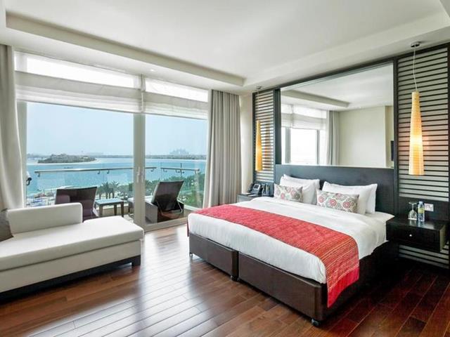 فنادق دبي 5 نجوم المطلة على البحر